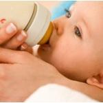 Советы о том, как кормить малыша смесью