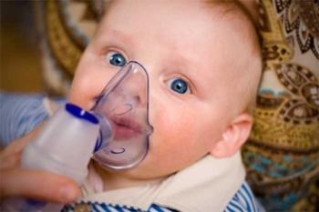 Осложнением молочницы во рту может стать переход заболевания на органы дыхания новорожденного