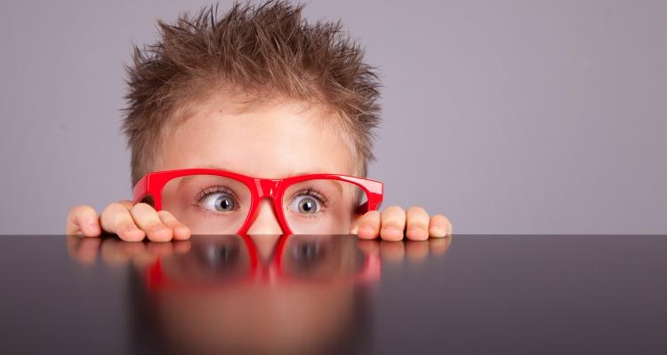 Лечение близорукости у детей школьного возраста и младше