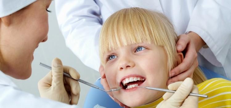 Отчего бывает гингивит у детей, каковы его симптомы и методы лечения