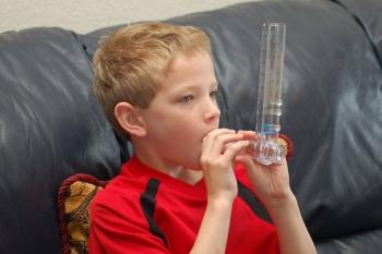 При лечении обструктивного бронхита у детей необходимы ингаляции