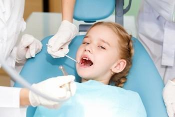На приеме у зубного врача