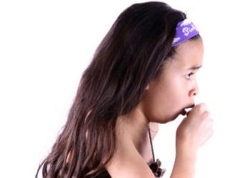 В чем причины лающего кашля у детей и как его лечить