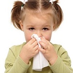Что означают зеленые сопли у ребенка - основные причины