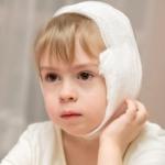 Причины того, почему болит ухо у ребенка