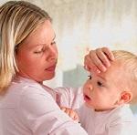 Что делать, если у ребенка понос и температура - оказание первой помощи