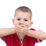 Первые признаки возникновения стоматита у детей