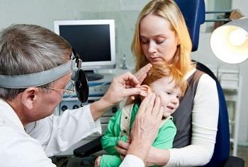 Как правильно применять ушные капли Отипакс ребенку - подробная инструкция