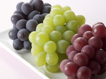 Как выбрать виноград для кормящей мамы и ребенка - основные правила