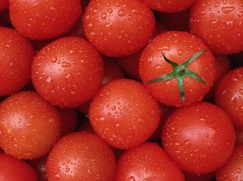 Вкусные красные помидоры