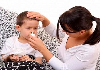 Применение препарата Мирамистин при различных заболеваниях у детей