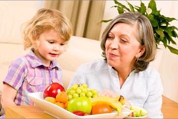 С какого возраста можно давать виноград ребенку - правила введения продукта в рацион малыша