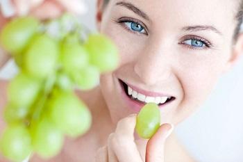 В чем польза винограда при кормлении грудью - полезные свойства для организма
