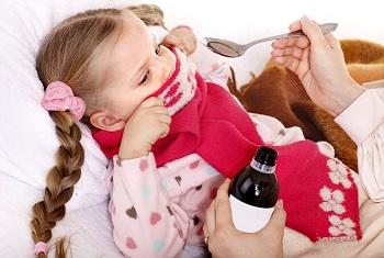 Девочка не хочет пить лечебный сироп