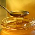 Ответ на вопрос, можно ли давать мед грудному ребенку