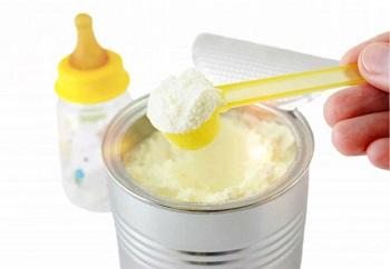 Как выбрать сухую молочную смесь для новорожденного - разновидности продукции