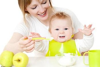 Какие фрукты больше всего подойдут для прикорма ребенка на грудном вскармливании