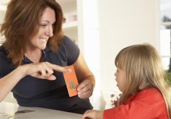 Как проводятся занятия у детей с аутизмом, симптомы, причины и лечение болезни у малышей