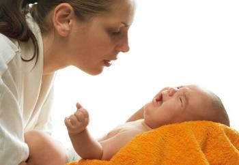 Физиологический насморк у грудничка: нужно ли и когда обращаться к врачу?