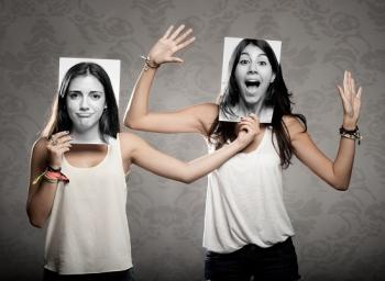 Девушки с фотографиями