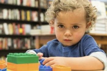 В чем заключаются симптомы и признаки аутизма у детей