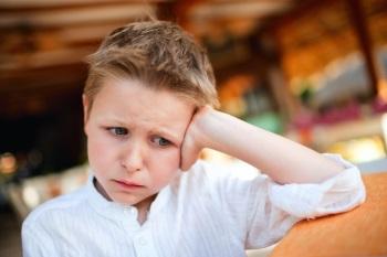 Как избавиться от нервного тика у ребенка - симптомы и лечение
