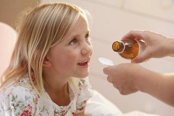 Как действует препарат Проспан при сухом и влажном кашле у детей