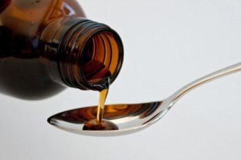 Жидкий препарат в ложке