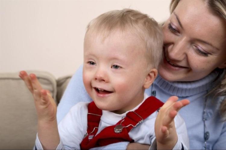 Какие бывают симптомы и признаки аутизма у детей