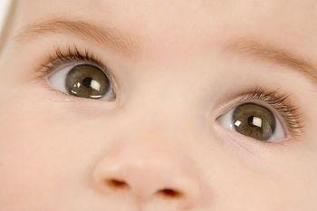 Что нужно делать, если у ребенка постоянно слезятся глаза - несколько рекомендаций