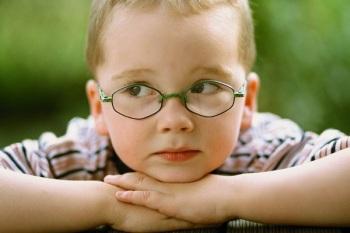 Причины возникновения гиперметропического астигматизма у детей
