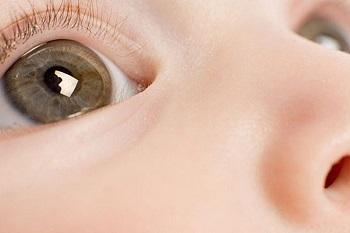 Карие детские глаза