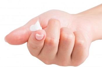 Как правильно применять противогрибковые мази для детей