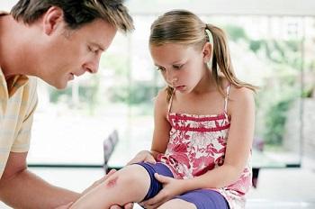 Как выбрать мазь от ссадин для детей - несколько советов