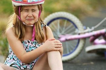 Особенности применения мазей от ссадин и ушибов для детей