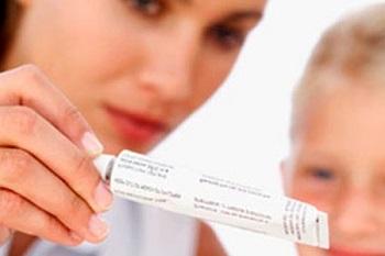 Принцип действия глазных мазей на организм ребенка
