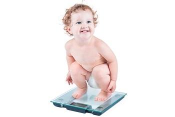 Малыш на весах
