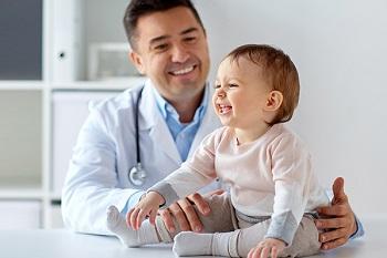 Малыш на приеме у детского врача