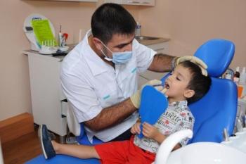 Лечение флюса назначается у стоматолога