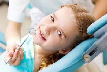Методы устранения черного налета с детских зубов