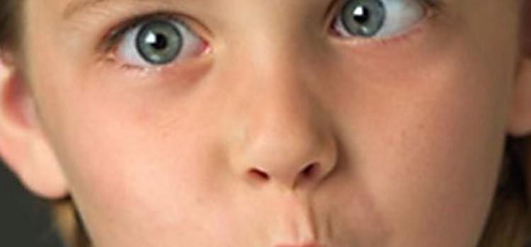 Почему у детей возникает косоглазие и как его лечить