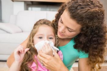Чем могут помочь родители, если у ребенка зеленые сопли