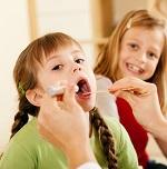 Первичные проявления и эффективное лечение фарингита у детей