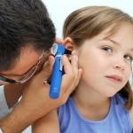 Ответ на вопрос: нужны ли антибиотики при отите у детей