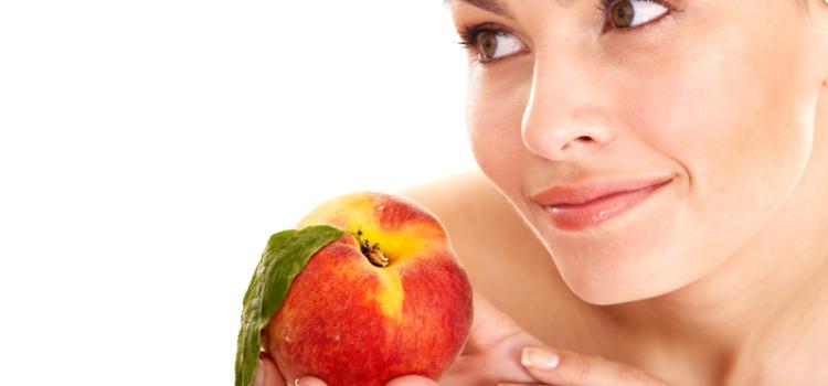 Персики при грудном вскармливании: польза и вред продукта