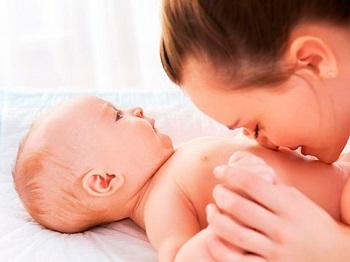 Как происходит заживление пупочной ранки у новорожденного и в каких случах стоит обратиться к врачу