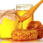 Ответ на вопрос, можно ли мед при кормлении грудью