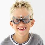 Близорукость у детей школьного возраста: лечение и профилактика