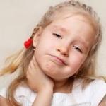 Каковы первые симптомы свинки у детей?