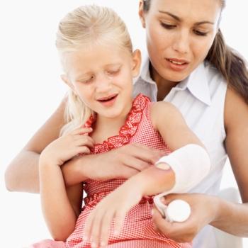 Инструкция по применению мази Банеоцин для детей: показания и противопоказания